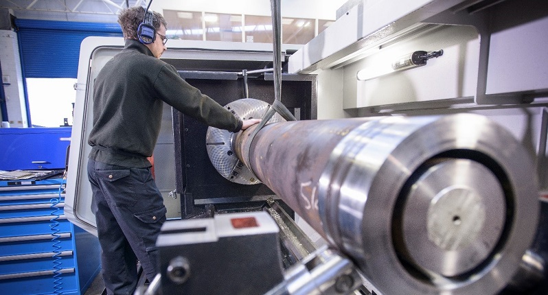 4 Reasons Why Using A Local CNC Turning Company Will Improve Your Business Productivity
